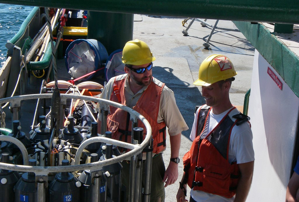 Preparing Niskin bottles in a CTD system